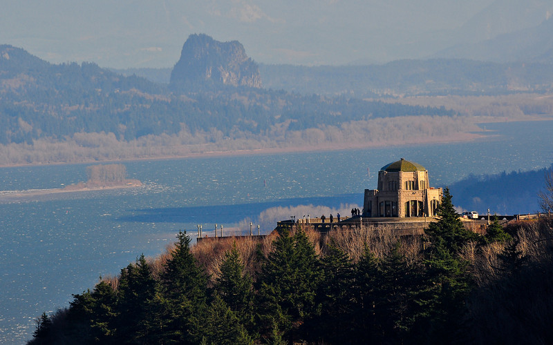 Vista House outside Portland in the Columbia Gorge.  D90, 70-300VR @ 300mm, ISO 200, 1/320, f/11.  Slightly cropped.