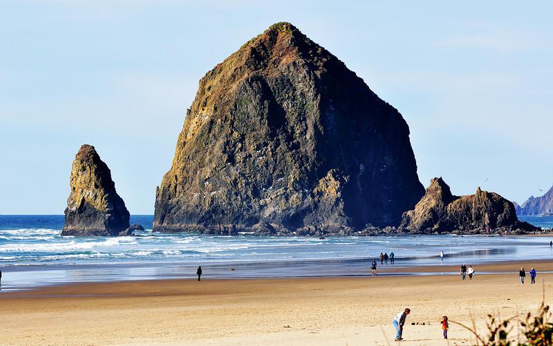 D90, Nikon 70-300VR, Haystack Rock, Cannon Beach, Oregon
