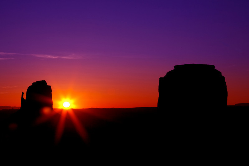 A Monumental Sunrise, Monument Valley