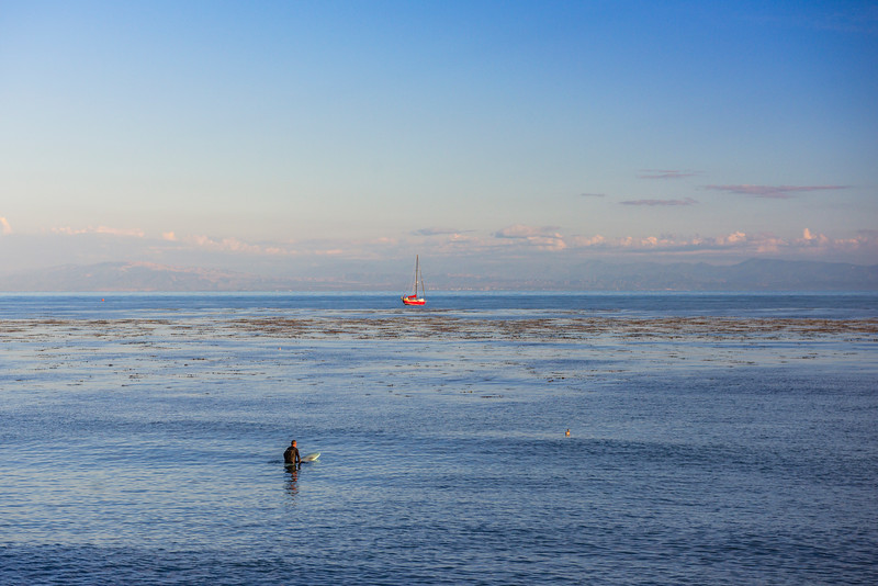 Capitola-Surfer-Waiting-for-waves-northern-California_D811868