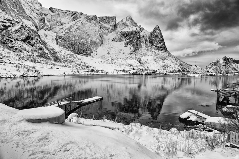 A Moody Reflection of Reine