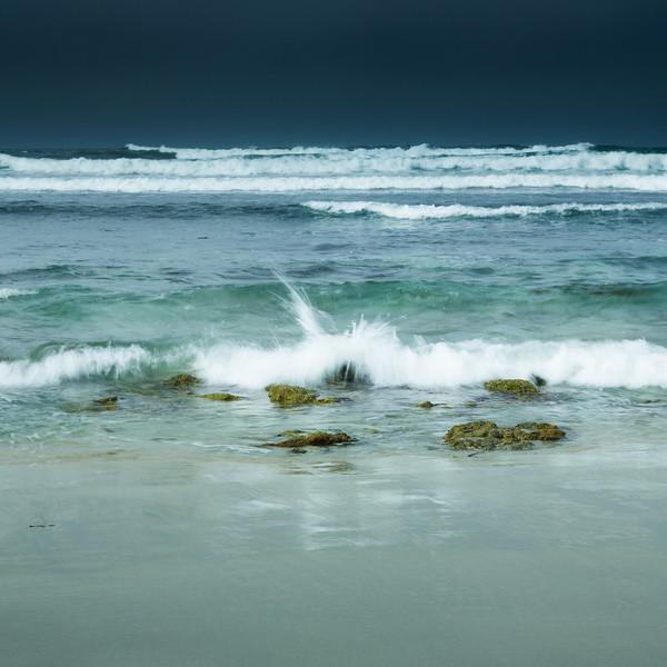 Dark Sky and Ocean Motion