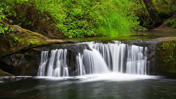 The small water fall