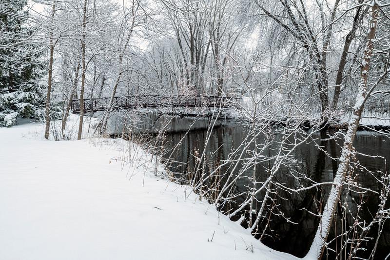 Spring snow at Elm Creek