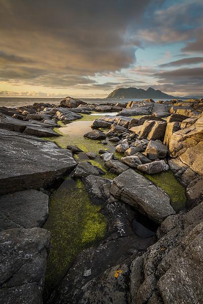IMAGE: http://jirphoto.smugmug.com/Landscapes/Norway/i-H2qzwD6/0/L/1207142146-8316-001683x1024-L.jpg
