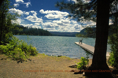 View West at Suttle Lake.