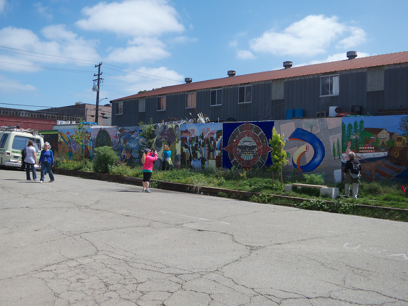 The Rue de Merde Mural<br /> Oakland  2014-04-12 at 12-02-19