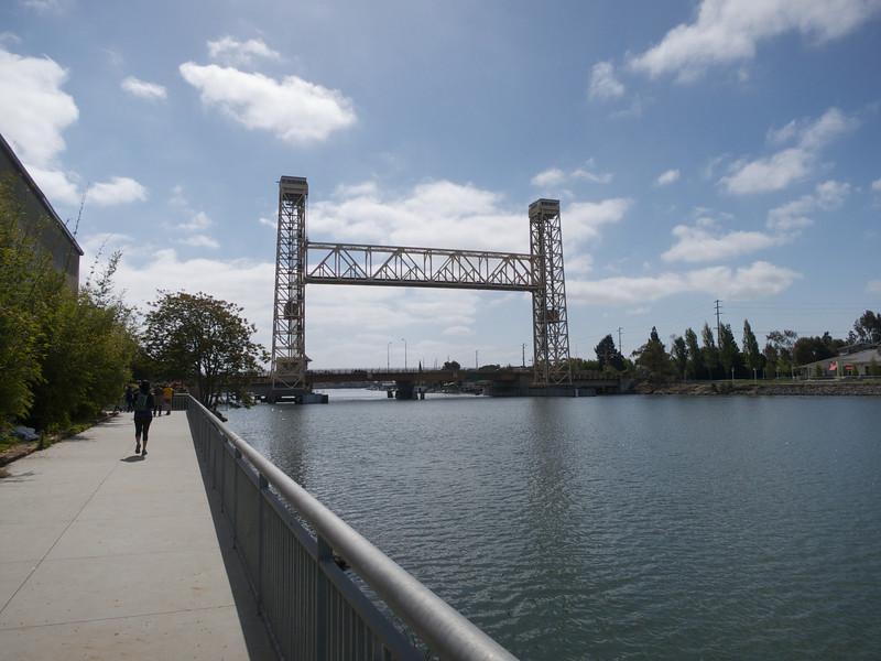 Fruitvale Railroad and Miler-Sweeney Bridges<br /> Oakland  2014-04-12 at 10-59-39