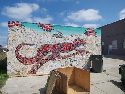 Another Jingletown Mural Oakland  2014-04-12 at 12-00-57