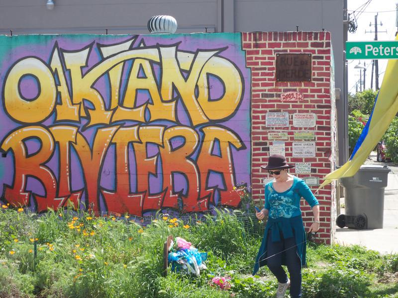 The Rue de Merde Mural<br /> Oakland  2014-04-12 at 12-06-10