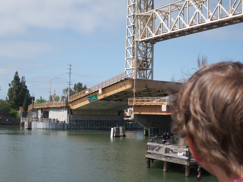 The bridge is almost lowered<br /> Oakland  2014-04-12 at 11-16-11