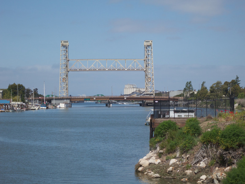 The bridges and Con-Agra<br /> Oakland  2014-04-12 at 11-24-23