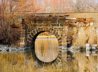 Tressel, train, track, bridge, old stone bridge, gulford CT, reflection, water, lake, arcitecture