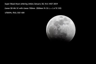 Super Blood Moon mid eclipse 1032 -