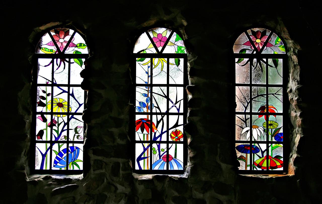 Windows Bishops Castle 7115