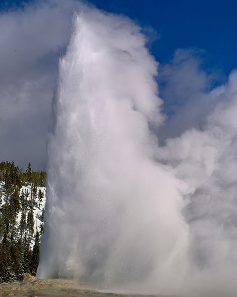 Famous Gyser in YNP taken 6 Feb 2011