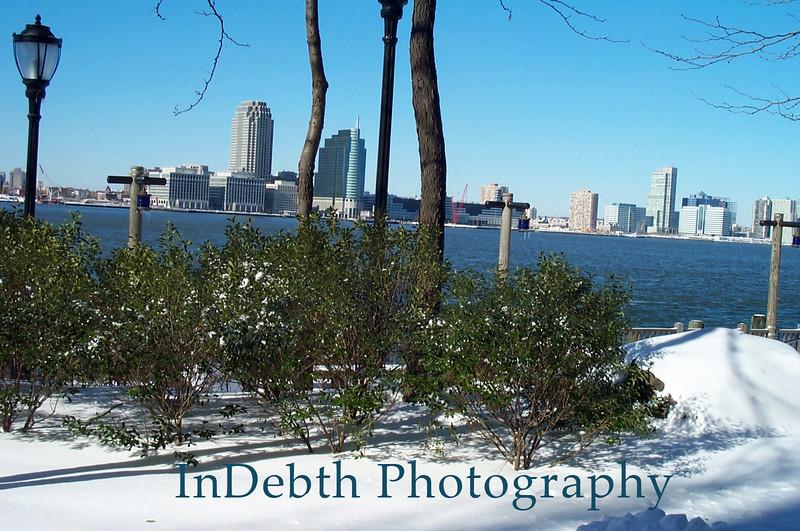 Hudson River - Winter Statue