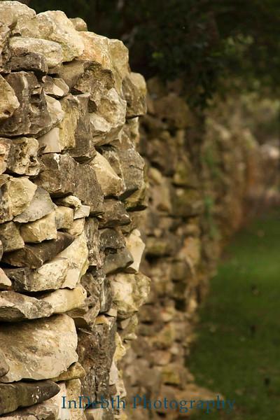 2126 Stone wall