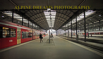 TRAIN-STATION-PANO