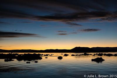1518 Mono Lake before sunrise