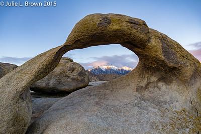 1334 Lone Pine Peak through Mobius Arch 6:53am