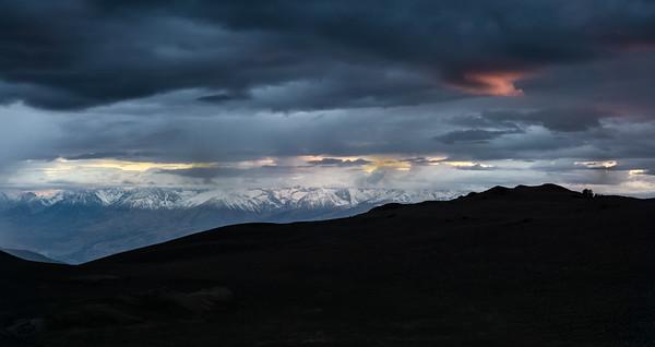 1379 Sierra Nevada from Bristlecone Pine area 6:25pm