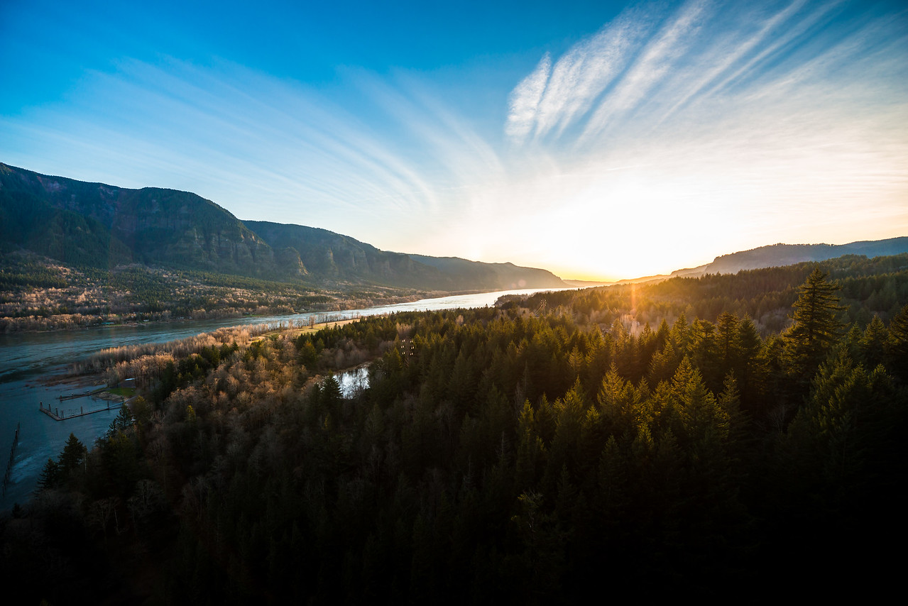 Sunet Over the Columbia River