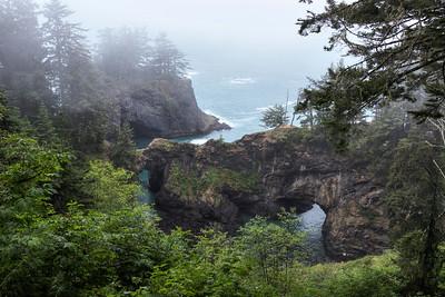 Natural Bridges - Samuel H. Boardman State Scenic Corridor, OR