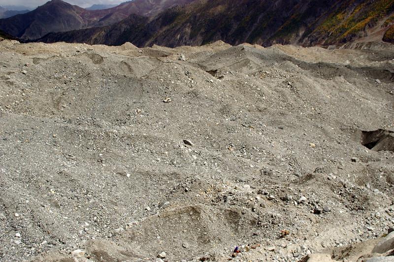 Crossing the Bagzin Glacier