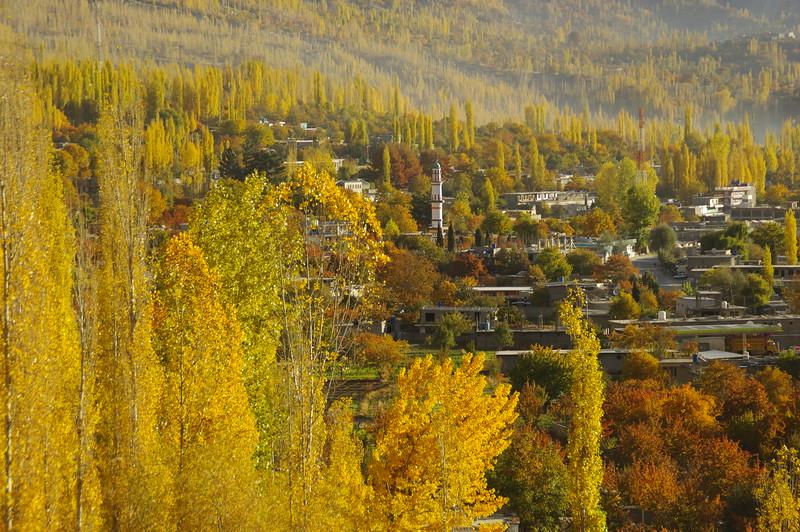 Aliabad, Hunza - colours in fall