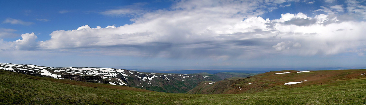 The view from the rim of Steens Mountain looking west.