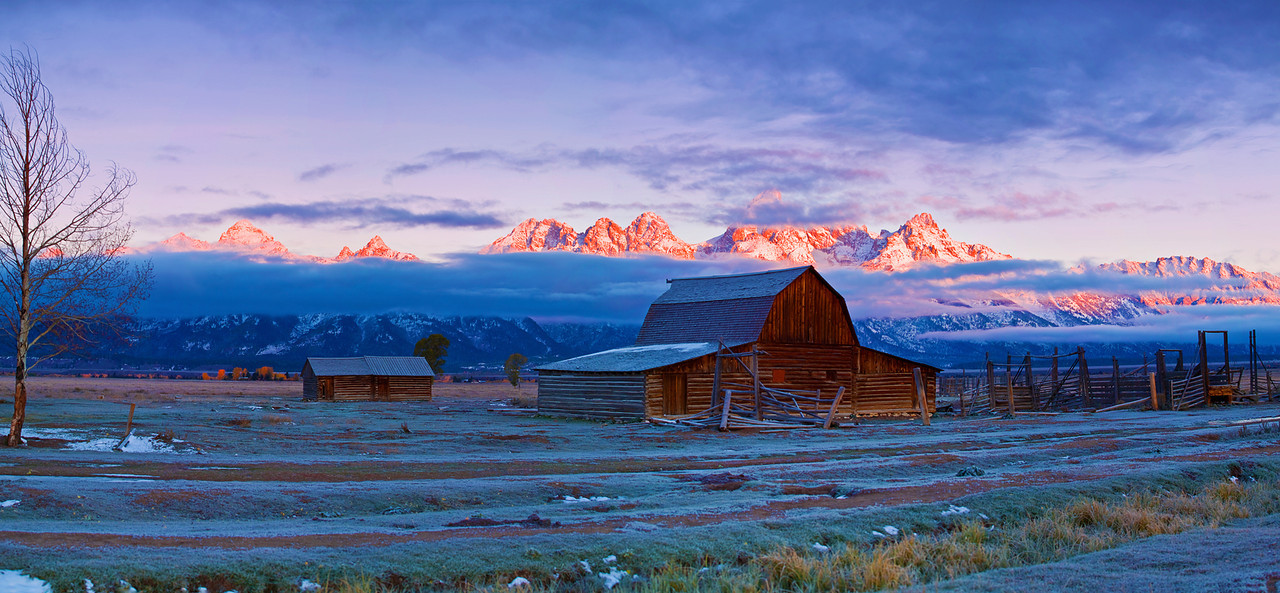 Panorama (11940 x 5528,merged x5), Wyoming, Grand Teton National Park, Mormon Barns , Sunrise, Fall Colors, 怀俄明, 大提顿国家公园, 日出,秋色,  全景摄影