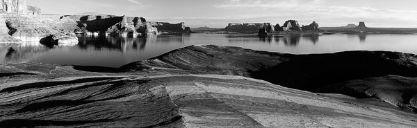 2009LakePowellPano010BW