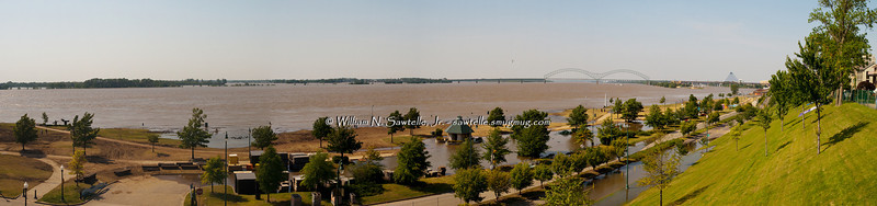 Mississippi River from South Bluffs<br /> with view of Tom Lee Park and Riverside Drive flooding<br /> May 7, 2011 - Stage 46.8+/-