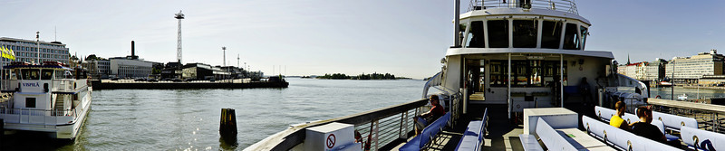Etelä-satama, kuvattu Suomenlinnan lautan kannella │Helsinki│Finland│2011