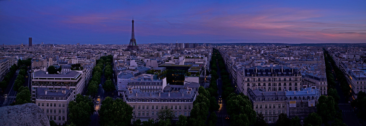 Paris Eiffel at dusk