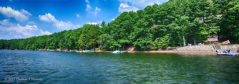 Deep Crrek Lage (western Maryland) panorama, taken with Nikon V1 and 10-30mm f/3.5-5.6 lens