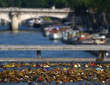 Locks on the Pont de Solférin