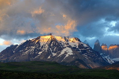 Sunrise on the Torres del Paine massif, with the three towers visible on the right.