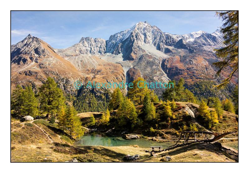 Le Lac Bleu, pas loin d'Arolla, en Valais. Octobre 2012
