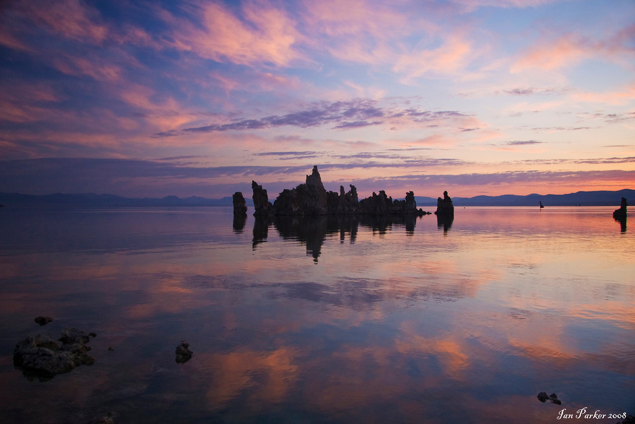 Mono lake cloud reflections: Mono Lake, California