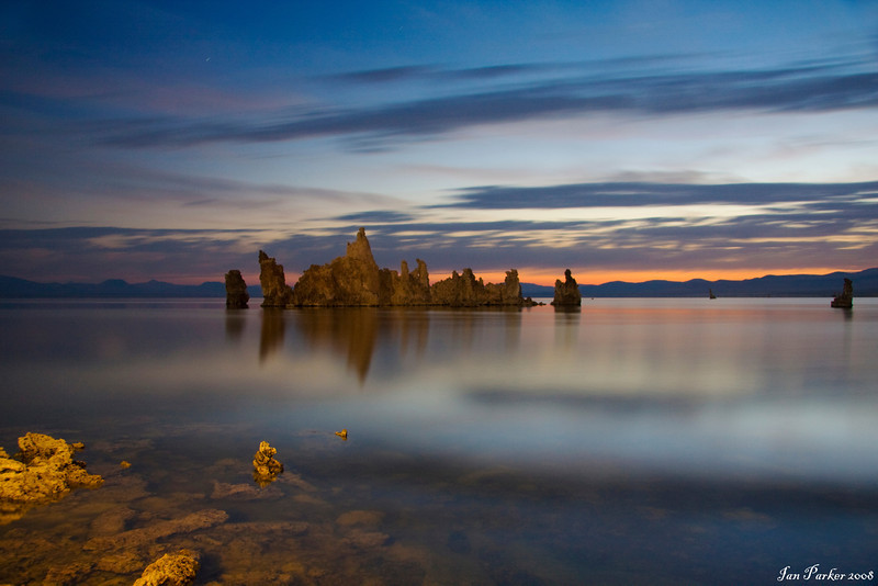 Mono lake twilight blur: Mono Lake, California