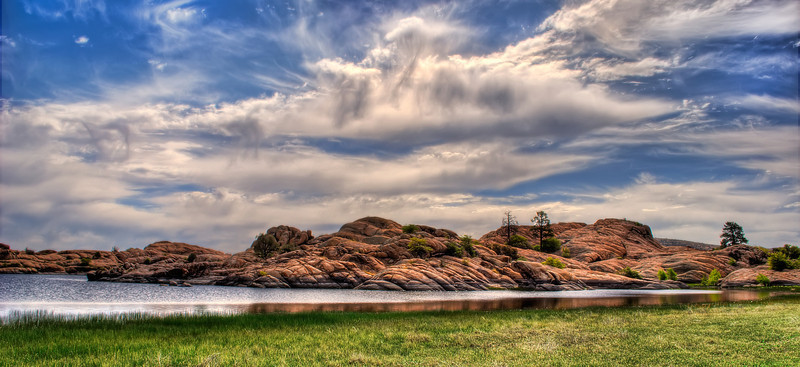 Beautiful Cloudy afternoon with grass at Willow Lake, in Prescott