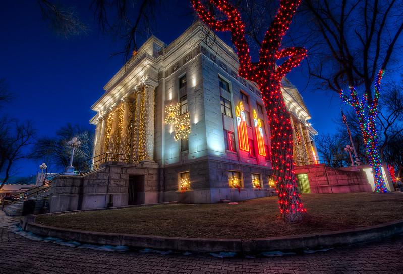 Red Christmas Lights at the Courthouse in Prescott