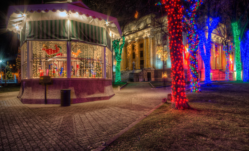 Christmas Gazebo Lights at Courthouse in Prescott at night