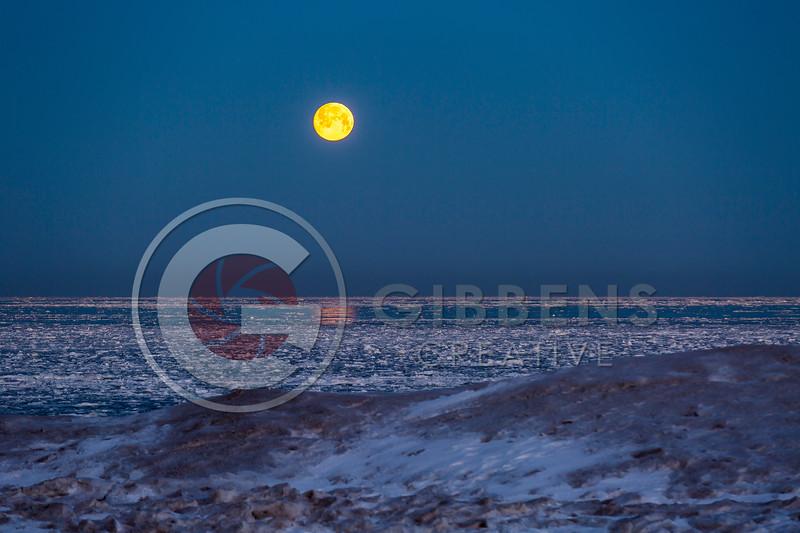Presque Isle Ice Moonset 2021