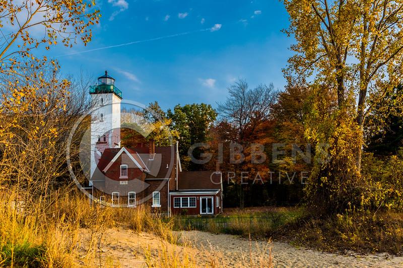 PI Lighthouse Fall Sunny
