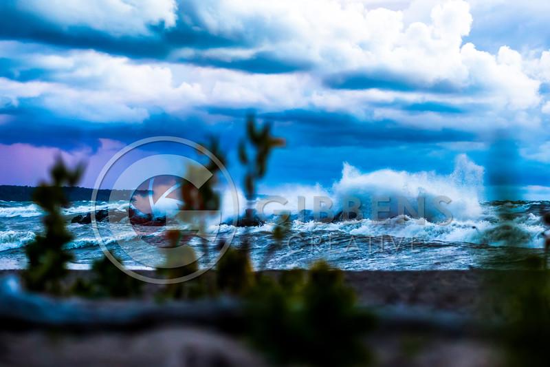 Huge Waves Mark III 485