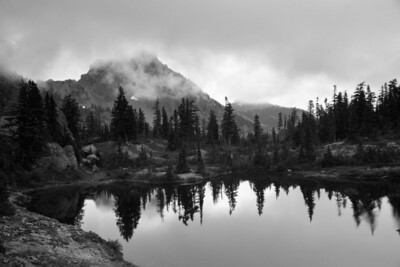 Lila Lakes and Hibox Peak.
