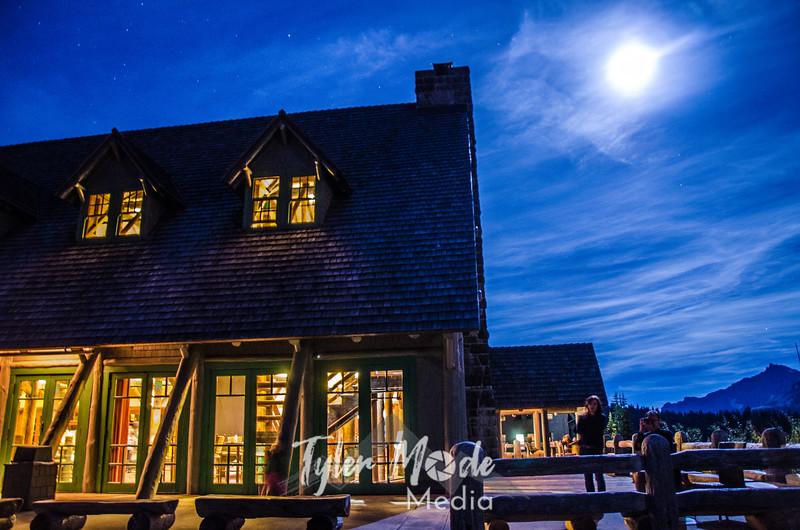 3433  G Paradise Inn Night